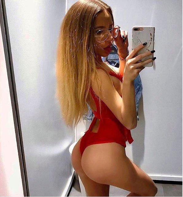 Kırmızı Seven Gürcü Bayan Asya
